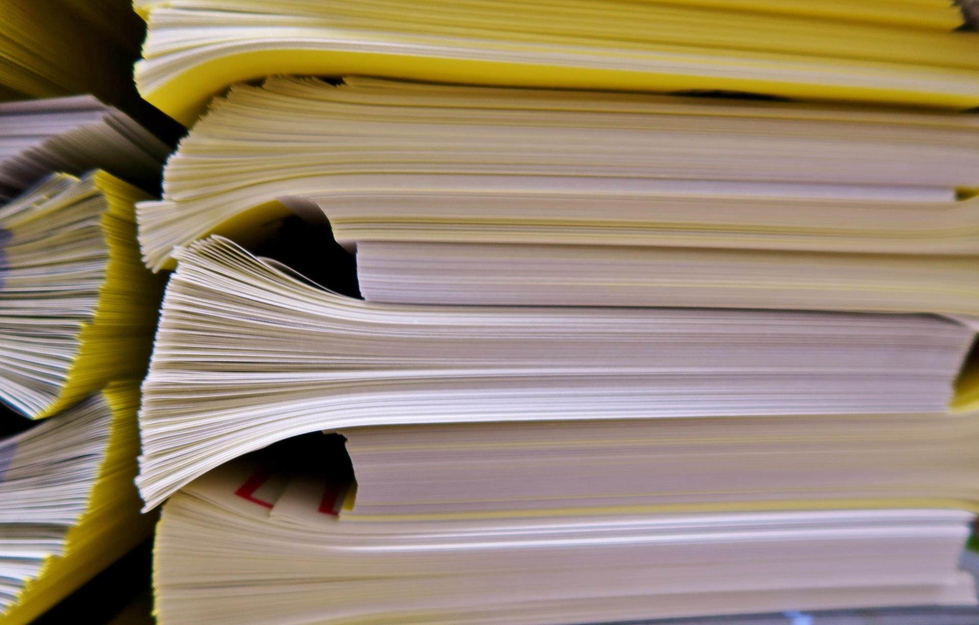 膨大な書類